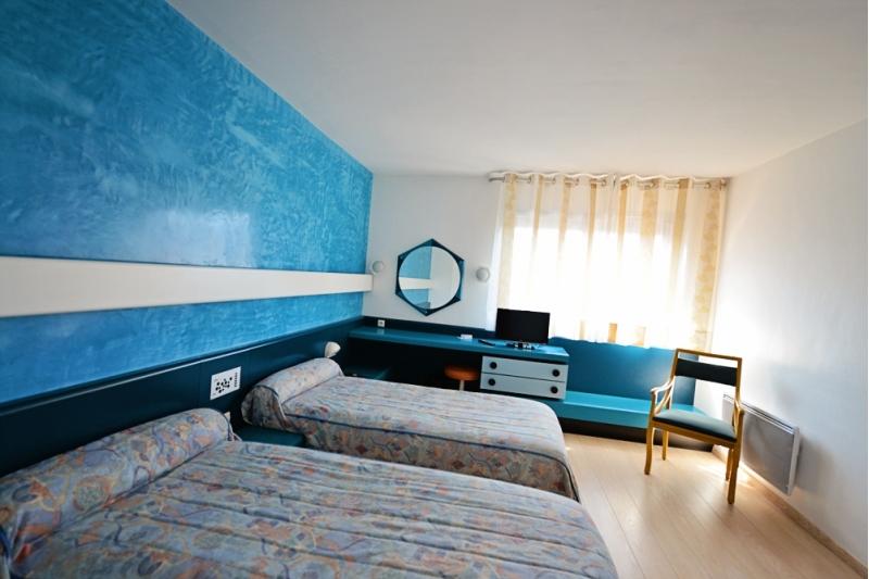chambre 2 lits ou twin h tel de mende urbain5 hotel restaurant en lozere mende. Black Bedroom Furniture Sets. Home Design Ideas